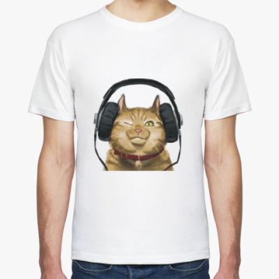 Футболка Кот слушает музыку