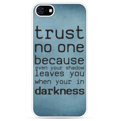 Чехол для iPhone Trust no one